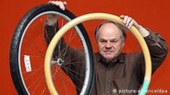 Inventor Dieter Ortwein presents his unbreakable bicycle tire