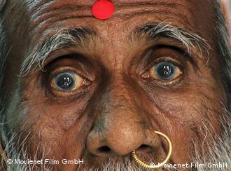 Großbild von Yogi Mataji Prahlad Jani (Foto: Movienet Film)