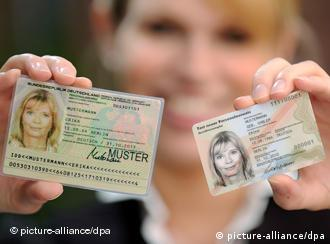 The old and new German ID cards