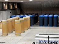Contêineres com lixo altamente radioativo no depósito provisório de Gorleben