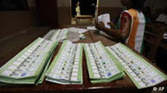 Stimmzettel Elfenbeinküste 2010 (Foto: AP)