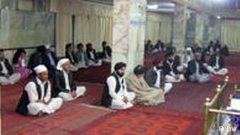 به دلیل تعبیض و مشکلات، بسیاری هندو و سیکهـ ها افغانستان را ترک کرده اند