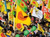 Miles de personas llegaron de toda Alemania para protestar contra el transporte de residuos nucleares hacia el norte de Alemania.