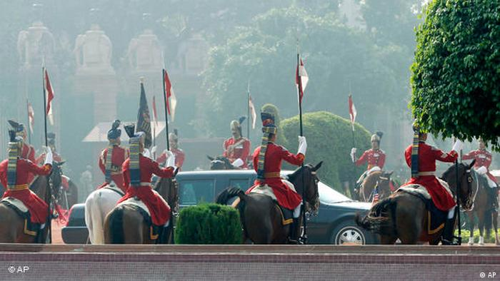 Obama in Indien Parade Flash-Galerie (AP)