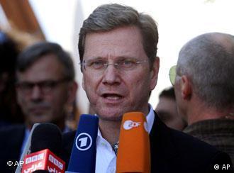 Guido Westerwelle, ministro alemán de Exteriores, se dirige a la prensa después de su visita a la franja de Gaza (08.11.2010).