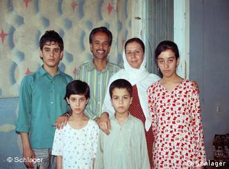 Familienfoto der Flüchtlingsfamilie Muhammad (Foto: Edda Schlager / DW)