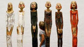 Holz-Figurengruppe Chor Ausstellung Nordart Büdelsdorf Skulpturen
