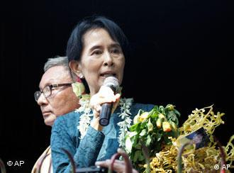 Aung San Suu Kyi speaking to supporters on Saturday