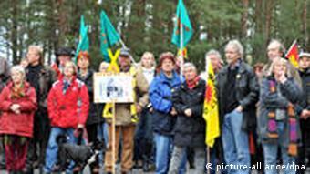 Акция протеста против транспортировки ядерных отходов в Горлебен