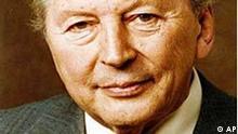 Undatiertes Portrait von Kurt Georg Kiesinger (CDU) in Bonn. Kiesinger war von 1966 bis 1969 Bundeskanzler in der grossen Koalition von SPD und CDU. (AP Photo)