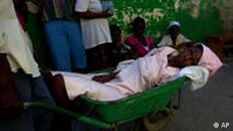 Cholera-Patientin in Haiti (Foto: ap)