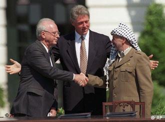 Rabin, Clinton e Arafat selaram o primeiro Acordo de Oslo em 1993