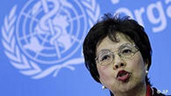 Margaret Chan vor WHO-Logo (Foto: AP)