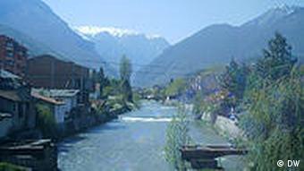 Albanien Ansicht von der Stadt Peja