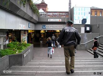Police officer Burkhard Jung on his way to the main station in Bonn