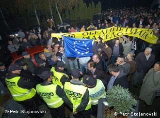 Турканиците пред А1 телевизија на крајот на ноември 2010 година