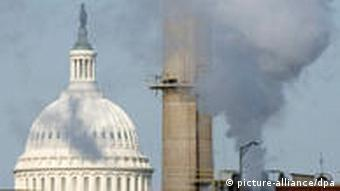 Steam rises from the US Capitol coal-fired power plant, which powers government offices in Washington, DC, USA on 08 December 2009.