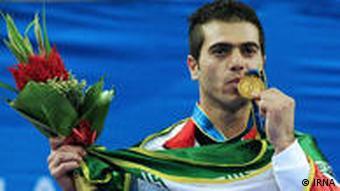 جاسم ویشگاهی، یکی از طلاآوران ایران در مسابقات آسیایی ۲۰۱۰