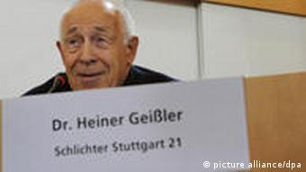 Heiner Geißler bei der Schlichtung zu Stuttgart 21 (Foto: dpa)