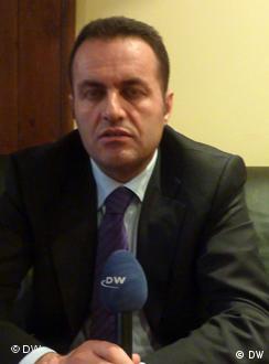 Adriatik Llalla AL Politiker Einkommen (DW)