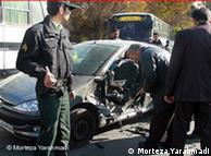 آتوموبیل یکی  از متخصصان هستهای که روز دوشنبه  آماج سوءقصد قرار گرفت