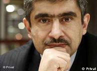 علیرضا نامور حقیقی، کارشناس مسائل ایران و استاد دانشگاه تورنتو
