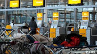 Schneechaos in Europa Flughafen München