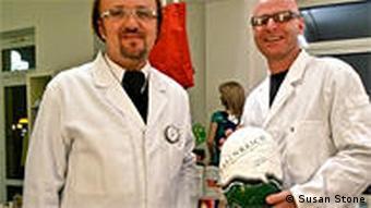 Erfinderladen-founders Gerhard Muthenthaler (l) and Marijan Jordan