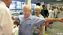 Verschärfte Sicherheitskontrollen auf dem Flughafen Frankfurt, Deutschland