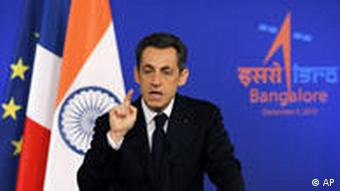 Sarkozy delivers a speech at the Indian Space Research Organization (ISRO) in Bangalore