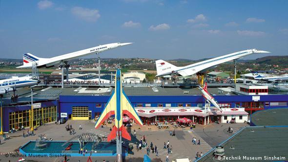 Британсько-французький Конкорд та радянський Ту-144 як частина експозиції музею авіаціної техніки в німецькому Зінсгаймі