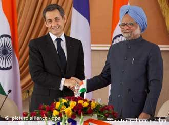 French President Nicolas Sarkozy with Indian Prime Minister Manmohan Singh in New Delhi