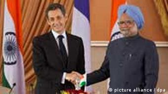 French President Nicholas Sarkozy with Indian prime minister Manmohan Singh