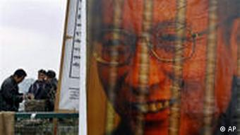 Nobel laureate Liu Xiaobo remains in jail