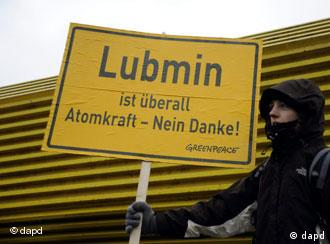 Protesters near Lubmin