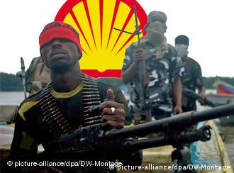 Symbolbild Royal Dutch Shell Nigeria (picture-alliance/dpa/DW-Montage)