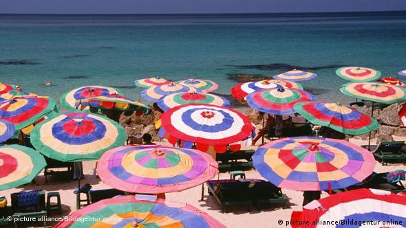 Thailand Phuket Sonnenschirme Strand Urlaub Tourismus Flash-Galerie