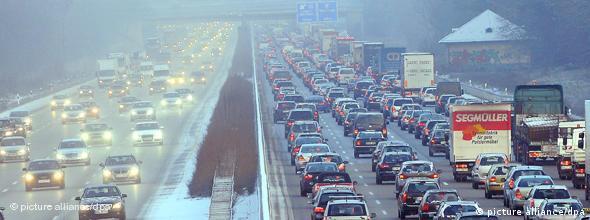 نتیجهی یک نظرسنجی نشان میدهد که «از هر ۴ آلمانی، یک نفر» میخواهد که خودرواش هم به اینترنت متصل باشد