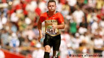 Heinrich Popov in the 100 meters (T42) final at the 2008 Paralympics
