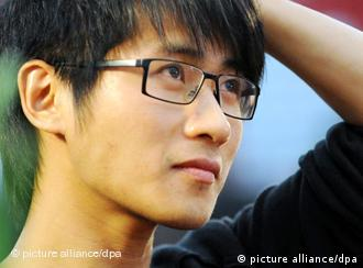China's famous blogger and top earning author Han Han is just 28 years old