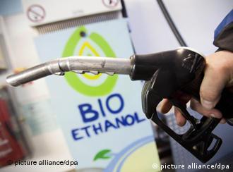 Alemães sofreram 'experiência traumática' com aumento da porcentagem de etanol na gasolina
