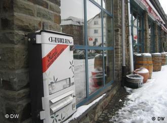 Der Kunstautomat vor dem Printenhaus (Café Portz) in Bad Münstereifel (Foto: DW)