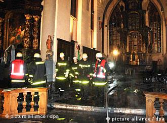 Fire fighters in the Nikolaus Church