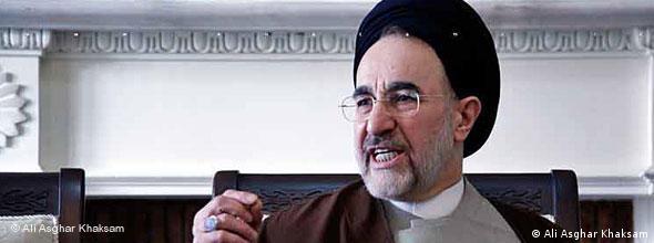 محمد خاتمی، رئیس جمهور پیشین ایران بارها خواستار آزادی زندانیان سیاسی شده بود.