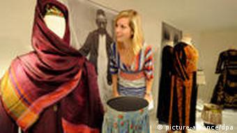 Ausstellung Das fremde Abendland Orient begegnet Okzident von 1800 bis heute