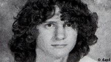 This photo obtained from the 2006 Mountain View High School yearbook shows Jared L. Loughner. U.S. Rep. Gabrielle Giffords of Arizona was shot in the head Saturday when an assailant opened fire outside a grocery store during a meeting with constituents, killing at least five people. Police say that Jared L. Loughner has been taken into custody in conjunction with the shooting incident. A neighbor provided this photo to an Associated Press photographer outside a listed address for a Jared L. Loughner, where police are gathering, and said that this person lived at the residence. (Foto:AP/dapd) NO SALES ***ACHTUNG: AP provides access to this publicly distributed HANDOUT photo to be used only to illustrate news reporting or commentary on the facts or events depicted in this image.***