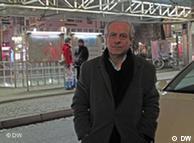 حسین سازور بیش از سی سال است که در آلمان زندگی میکند
