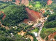 Imagem aérea mostra região de deslizamento em Teresopólis