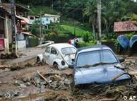 Destruição nas ruas de Teresópolis