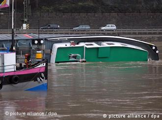 The capsized Waldhof